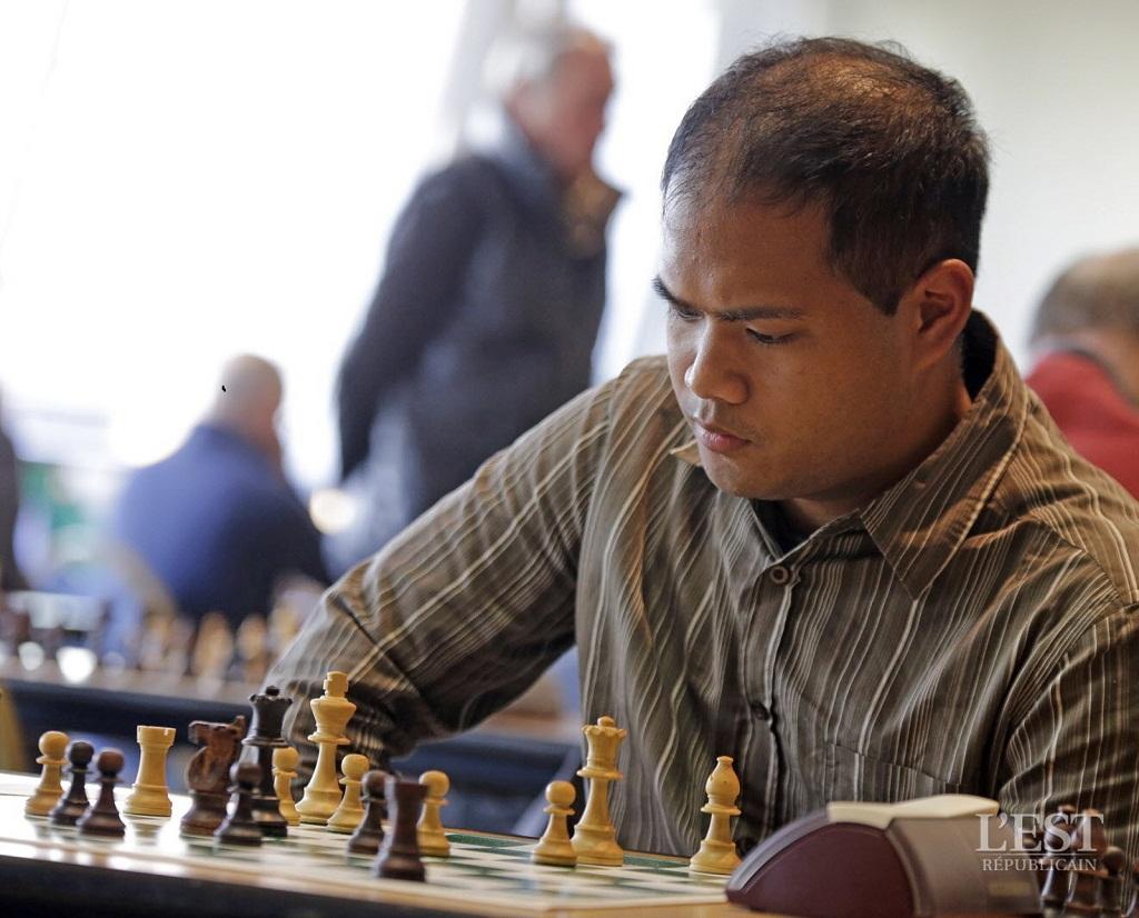 Evoluer sur l'échiquier face à l'adversaire demande une grande maîtrise de soi. Photo Sam Coulon pour L'est Rébublicain